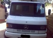 Caminhão MB-914 com Baú Frigorífico