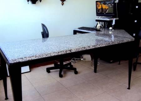 Fotos de mesa de escritorio em l goi nia pictures to pin - Mesa de granito ...