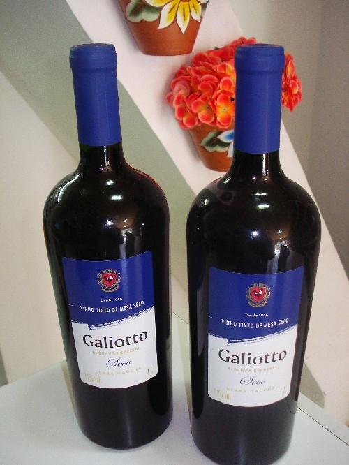 Vinho garrafa 1 litro galiotto -vale dos vinhedos -rs