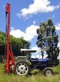 Perfuratriz hidraulica sobre trator (solo)