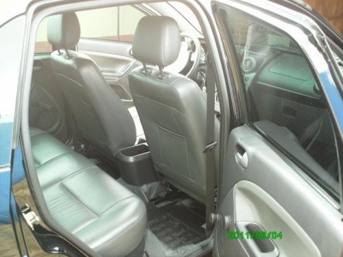 Fotos de Fiesta sedan 1.6 class 2009/2009 preto- com banco de couro 4