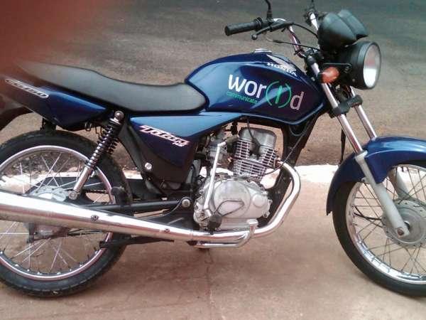 Fotos de Cg titan 150 cc azul ks ano 2004 moto em otimo estado de uso 1