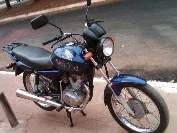 Fotos de Cg titan 150 cc azul ks ano 2004 moto em otimo estado de uso 4