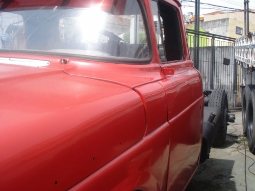 Ford 600 no chassi