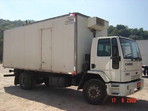 Ford cargo 1721 toco ano 2003 com bau frigorifio 2002
