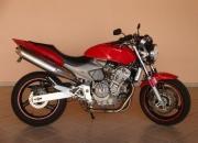 Hornet 2005 Vermelha