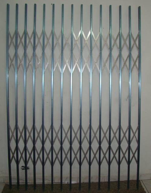 Grades pantograficas (portas, janelas e tec.)