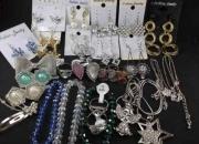 lote com 1040 bijuterias para revenda
