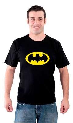Camiseta e almofada super heróis - estampas iradas