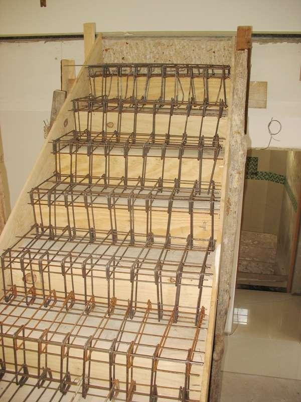 2dc767ce7 Escadas (forma e ferragem) em Curitiba - Outros Servicios | 76256