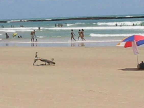 Praia fronte pousada