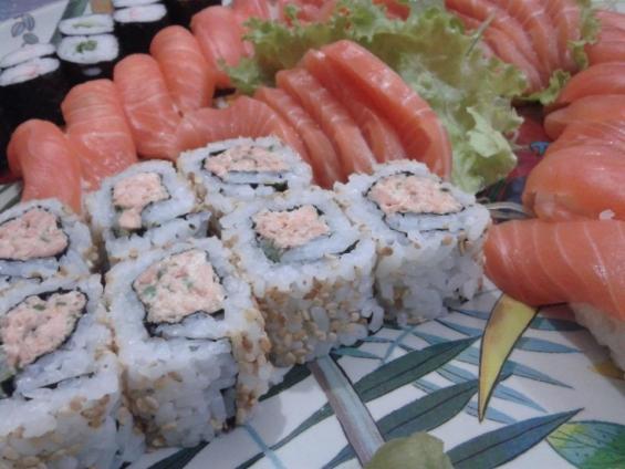 Sushis e sashimis.