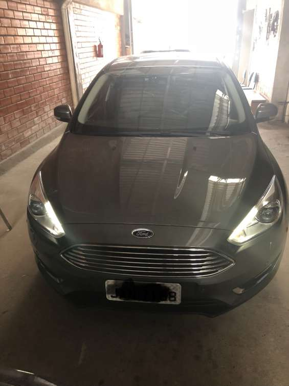 Ford focus sedan titanium/tita 2026